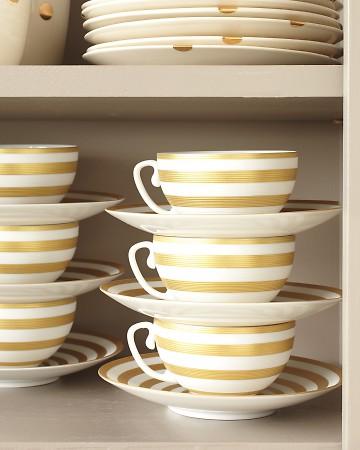 organized-teacups-saucer-0911mld107506_vertMarthaSterwart
